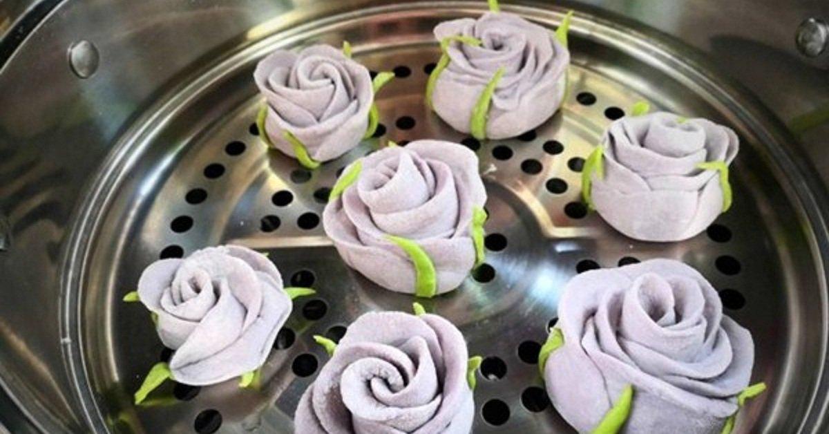 """Mẹ trổ tài làm bánh hoa hồng, chồng con ai cũng """"lặng người"""" vì quá đẹp và ngon"""