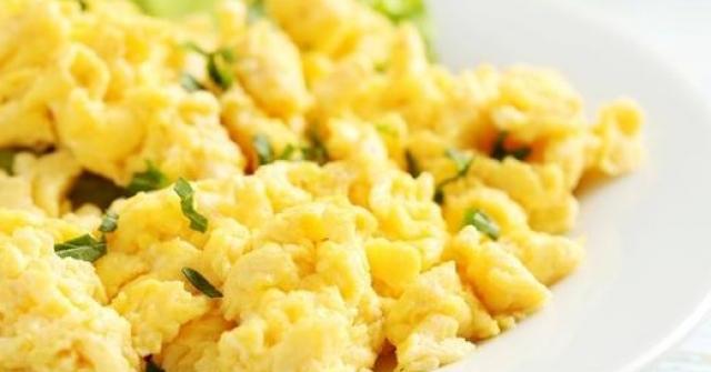 Trứng chưng kiểu này không cần cho một giọt dầu nào vẫn mềm ngon, thơm nức