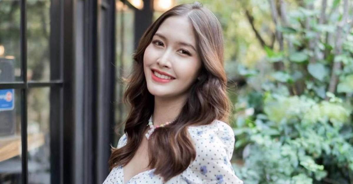 Ngắm nhan sắc rạng ngời của tân Hoa hậu Chuyển giới Thái Lan