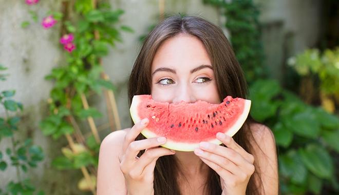 Mách bạn 9 món ăn vặt thỏa mãn cơn đói nhưng không làm tăng cân