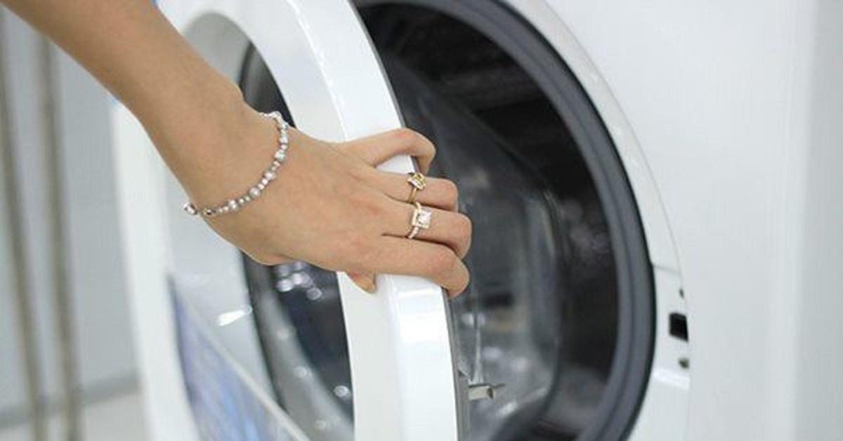 Có nên đóng nắp sau khi giặt máy? Hóa ra nhiều gia đình đã làm sai suốt bao nhiêu năm