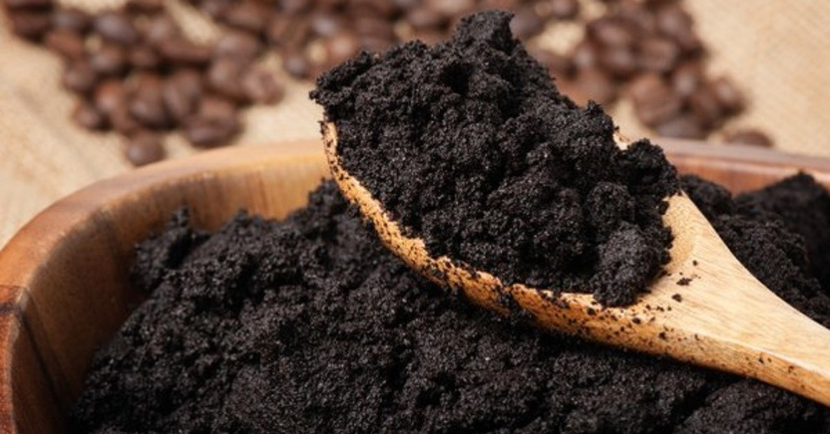 Người làm vườn tiết lộ cách không cần phân bón rau vẫn lên xanh tốt nhờ... rác thải