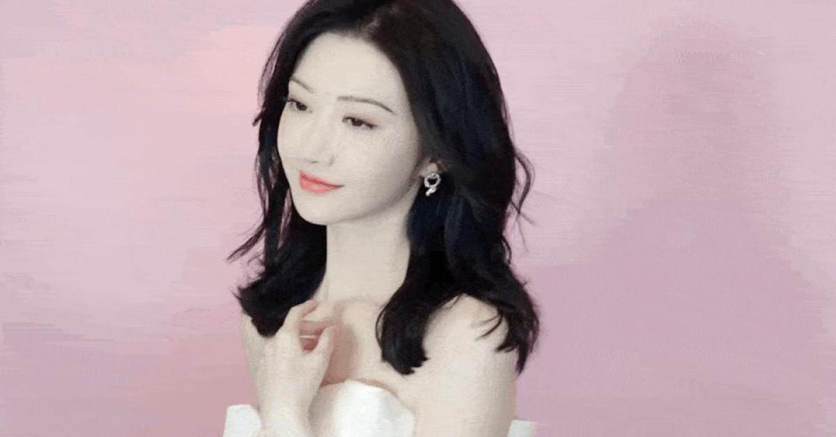 Mê mẩn nhan sắc tuổi 33 của 'Đệ nhất mỹ nữ Bắc Kinh' Cảnh Điềm