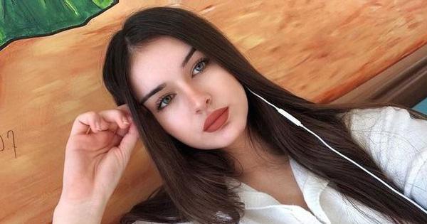 Thiếu nữ xinh đẹp nằm chết dưới chân cầu thang, để lại mảnh giấy tố cáo chuyện xấu của bố bạn trai