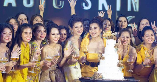 Đại tiệc mừng Magic Skin 6 tuổi quy tụ hơn 100 doanh nhân tài sắc