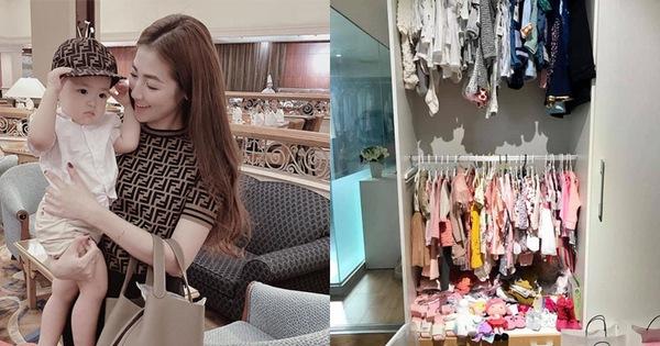 Soi tủ đồ ú ụ của các bé cưng nhà sao Việt: Đàm Thu Trang tậu cho con tủ đồ hoành tráng nhưng chưa phải là nhất