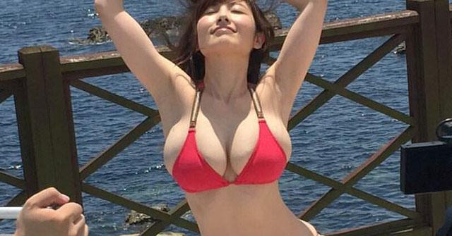 """Nữ diễn viên Nhật Bản U40 vẫn mơn mởn xứng danh """"đệ nhất ngực đẹp"""""""