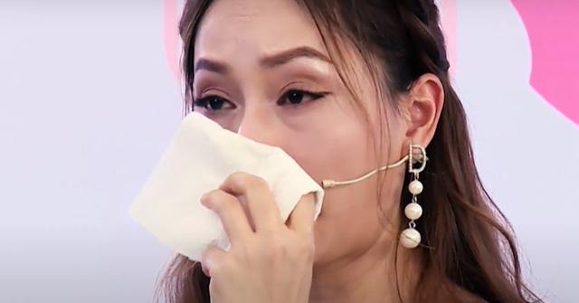 """Diễn viên Lan Phương bị """"cà khịa"""": Em là cô tiên xanh, em phải bay chứ không ngồi"""